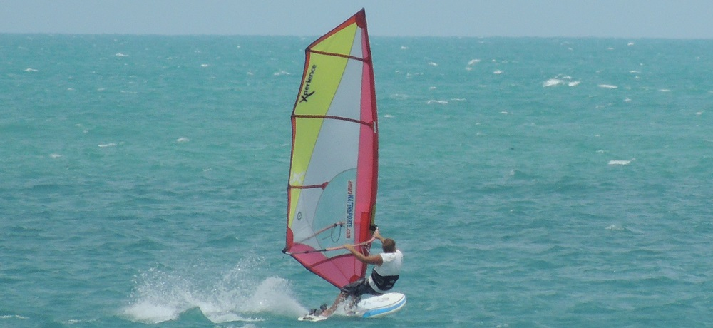 windsurf paddleboard in samui